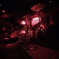 Foto tirada no(a) Circle Bar por Frank I. em 3/3/2013