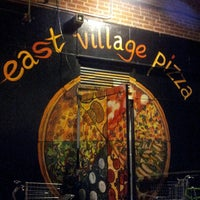Photo prise au East Village Pizza par Recep A. le9/1/2013