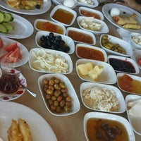 Foto scattata a Körfez Aşiyan Restaurant da Demet✌ il 9/25/2015