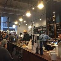 Foto tomada en Black Fox Coffee Co. por Anna J. el 11/9/2018