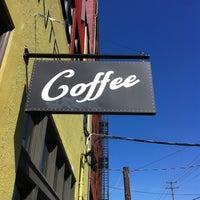 Снимок сделан в Water Avenue Coffee Company пользователем Ben L. 4/24/2013