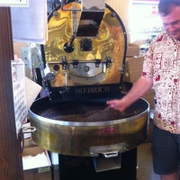 Foto diambil di Caroline's Coffee Roasters oleh Michael L. pada 8/8/2013