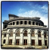 Снимок сделан в Армянский театр оперы и балета им. Спендиарова пользователем iRuli👻 4/24/2012