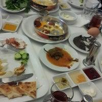 Foto scattata a Değirmentepe Oltu Kebap da Ozlem D. il 3/2/2014