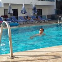 Foto tirada no(a) Ponz Apart Hotel por Salih İ. em 9/6/2013