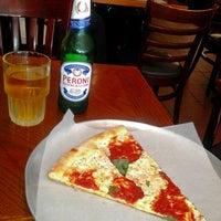 รูปภาพถ่ายที่ Delizia 73 Ristorante & Pizza โดย Delizia 73 Ristorante & Pizza เมื่อ 9/5/2013