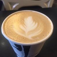 Foto scattata a Birch Coffee da Rose T. il 9/18/2017