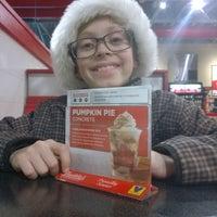 Foto tirada no(a) Freddy's Frozen Custard & Steakburgers por Eric B. em 12/15/2015