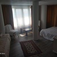 Das Foto wurde bei Aeneas Boutique Hotel von Özge 🌿 am 9/15/2019 aufgenommen