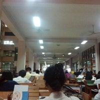 Photo prise au Miguel De Benavides Library par Kevin Paul Bryan D. le10/3/2013