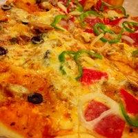 Photo prise au Calda Pizza par bonggaba.com /. le8/6/2013