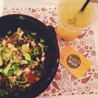 รูปภาพถ่ายที่ Burrito Madre โดย Kristina S. เมื่อ 10/8/2014