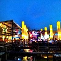 1/3/2013 tarihinde Aom J.ziyaretçi tarafından Waterside Resort Restaurant'de çekilen fotoğraf