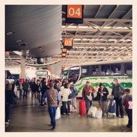 Foto tomada en Terminal de Buses San Borja por Javier P. el 9/29/2012