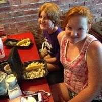 7/12/2014 tarihinde Bryan B.ziyaretçi tarafından Twisted Kitchen'de çekilen fotoğraf