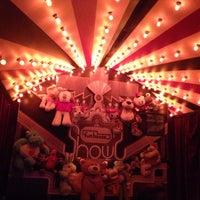 Foto scattata a Funhouse da Julianne P. il 6/14/2015