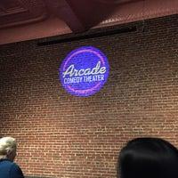 รูปภาพถ่ายที่ Arcade Comedy Theater โดย Jason H. เมื่อ 12/5/2015