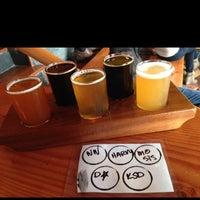 10/12/2013 tarihinde Adam C.ziyaretçi tarafından Fremont Brewing Company'de çekilen fotoğraf