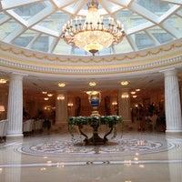 Das Foto wurde bei The Official State Hermitage Hotel von Dmitri D. am 10/6/2013 aufgenommen