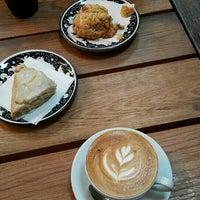 Photo prise au La Colombe Coffee Roasters par Leonid B. le11/2/2015