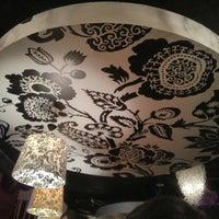 2/16/2013 tarihinde Lei Annziyaretçi tarafından District Restaurant & Lounge'de çekilen fotoğraf