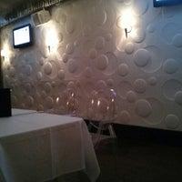 1/12/2013 tarihinde Lei Annziyaretçi tarafından District Restaurant & Lounge'de çekilen fotoğraf