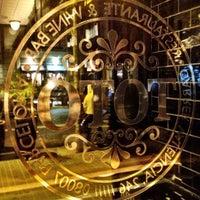 3/13/2013 tarihinde Tony T.ziyaretçi tarafından Toto Restaurante & Wine Bar'de çekilen fotoğraf