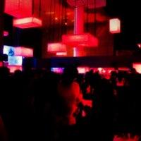 Снимок сделан в Kue Bar пользователем Stutie G. 1/8/2014