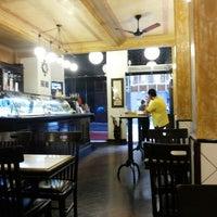 Foto diambil di Café Martinelli Midi oleh Nelson S. pada 9/29/2014