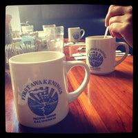Das Foto wurde bei First Awakenings von Tara C. am 11/8/2013 aufgenommen