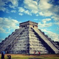 Foto tomada en Zona Arqueológica de Chichén Itzá por Ilya K. el 1/17/2013