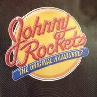Foto tirada no(a) Johnny Rockets por Fernanda N. em 5/1/2014