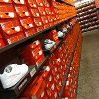 Salida entrevista exagerar  Nike Factory Store - 16 tips