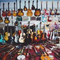 รูปภาพถ่ายที่ Lark Street Music โดย Lark Street Music เมื่อ 9/11/2013