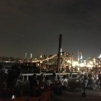 Das Foto wurde bei Brooklyn Barge von Elizabeth S. am 9/11/2016 aufgenommen