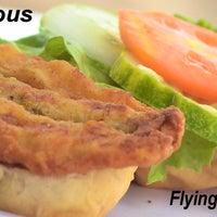 Foto scattata a Mr. Delicious Snack Bar da Mr. Delicious Snack Bar il 11/23/2013
