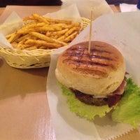 11/15/2014 tarihinde A. Derya E.ziyaretçi tarafından Biber Burger'de çekilen fotoğraf
