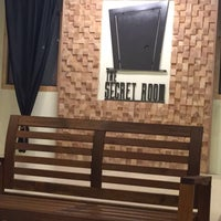Foto diambil di The Secret Room oleh Noora . pada 10/9/2016