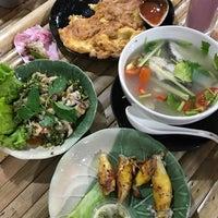 12/27/2016 tarihinde oporopors L.ziyaretçi tarafından Sip Pee Nong Restaurant'de çekilen fotoğraf