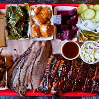 Foto tirada no(a) Mable's Smokehouse & Banquet Hall por Mable's Smokehouse & Banquet Hall em 5/20/2018