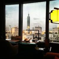 3/29/2014에 Jordy C.님이 Shangri-La's Far-Eastern Plaza Hotel에서 찍은 사진
