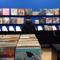 Foto diambil di Econo Jam Records oleh Dulcinea G. pada 11/1/2013