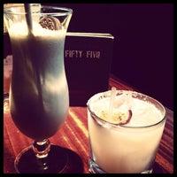 Foto tomada en Fifty Five Bar por Nata S. el 6/30/2013