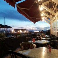 Foto scattata a Sockeye City Grill Waterfront Restaurant da Sascha B. il 7/7/2013