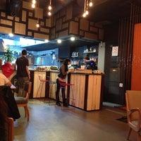 10/27/2013 tarihinde Gökhan O.ziyaretçi tarafından Pupa Burger'de çekilen fotoğraf
