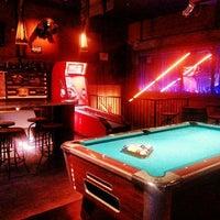 9/16/2013 tarihinde The Lodge Bar + Grillziyaretçi tarafından The Lodge Bar + Grill'de çekilen fotoğraf