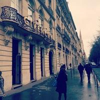 รูปภาพถ่ายที่ Givenchy โดย Andrea M. เมื่อ 2/24/2014