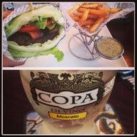 Foto tomada en A&G Burger Joint por Laura M. el 5/25/2013