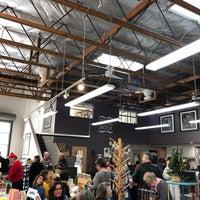 Foto diambil di SF Center for the Book oleh Readiness K. pada 12/1/2018