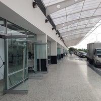 Foto tomada en Aeropuerto Internacional Palonegro (BGA) por Kike M. el 3/7/2014